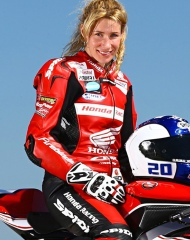 BSB star Jenny Tinmouth joins the James Whitham track training day coaching team.