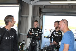Dan Linfoot joking with fellow coaches James Whitham and Ian Hutchinson.